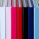 Un vaste choix de couleurs pour la couverture de votre livre photo luxe ! (Blanc, rose, rouge, noir, bleu, bleu clair, vert, etc.)